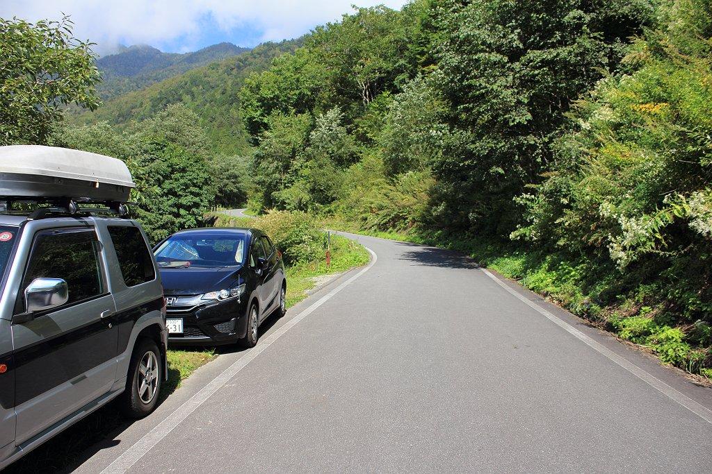 SWだったのか駐車場いっぱいだったので道路脇にある駐車スペースに駐車してスタート