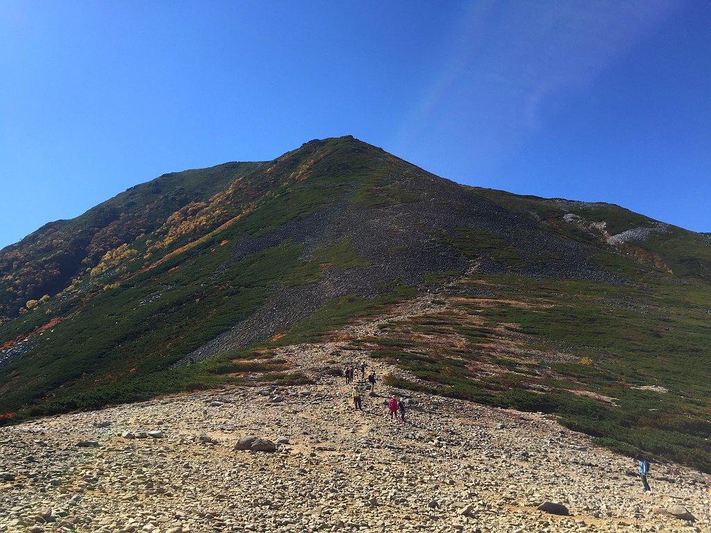 最後の常念岳のピークを撮影