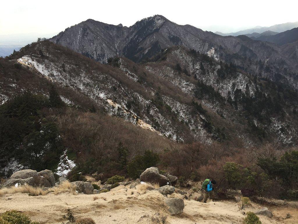 鈴鹿の稜線はこういった砂地エリアも多い