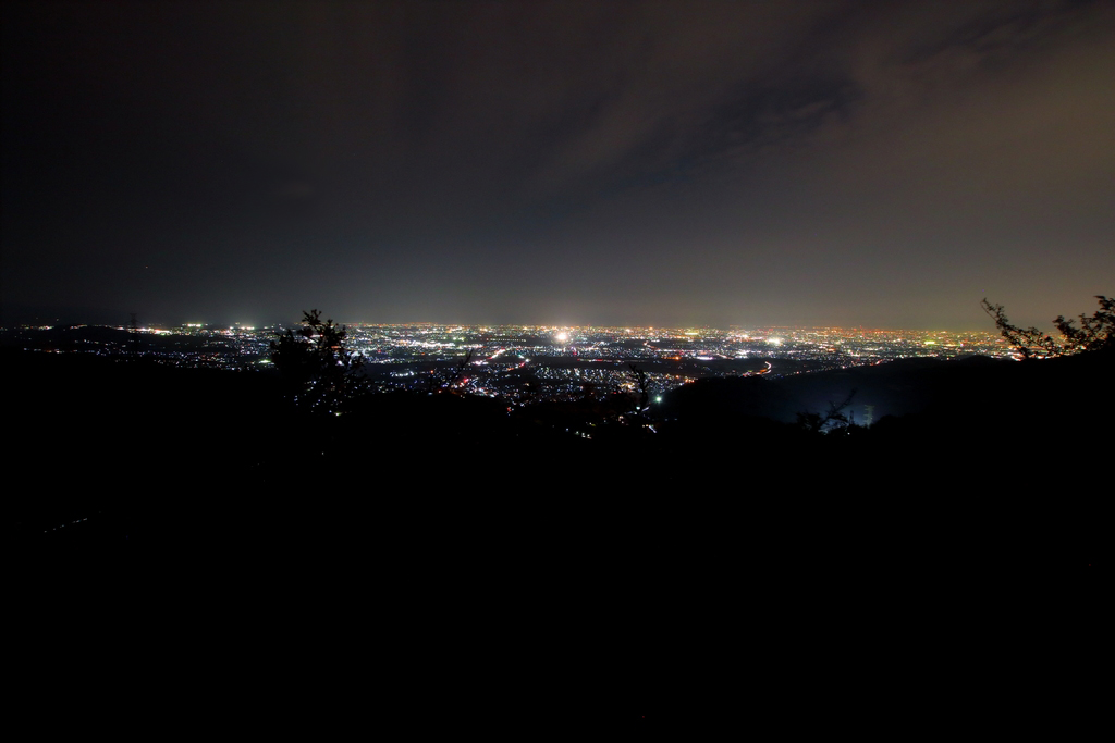 展望台からの大阪側の夜景。暗くなってからだと綺麗だった パノラマはこっち