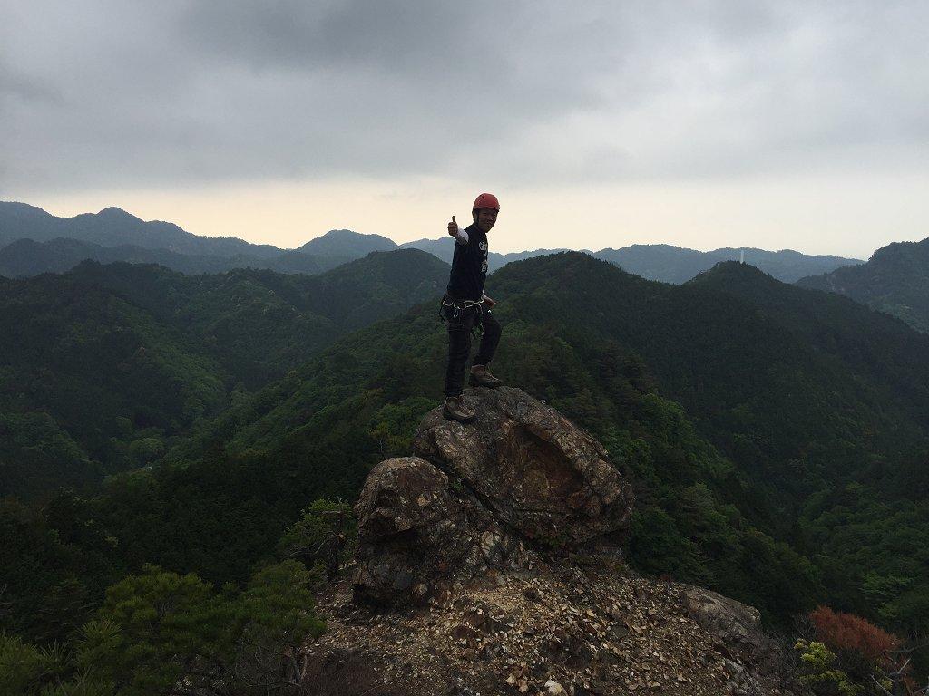 亀岩の上でポーズ