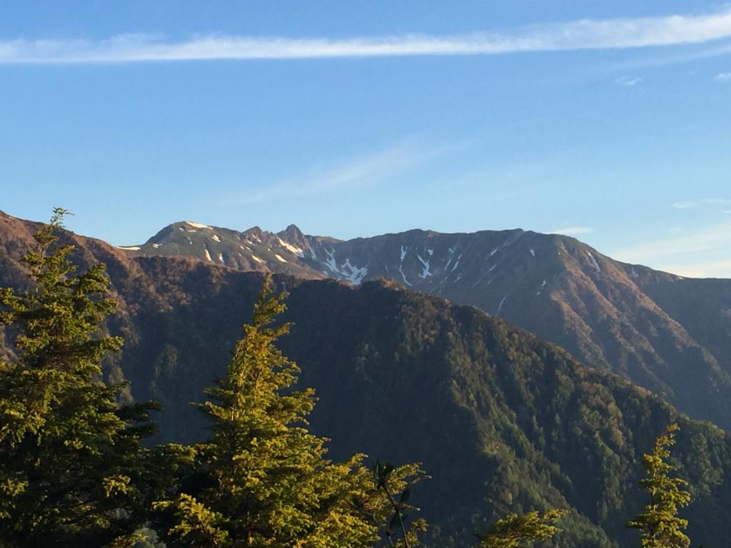 やっと宝剣岳方面だけの視界が開けた