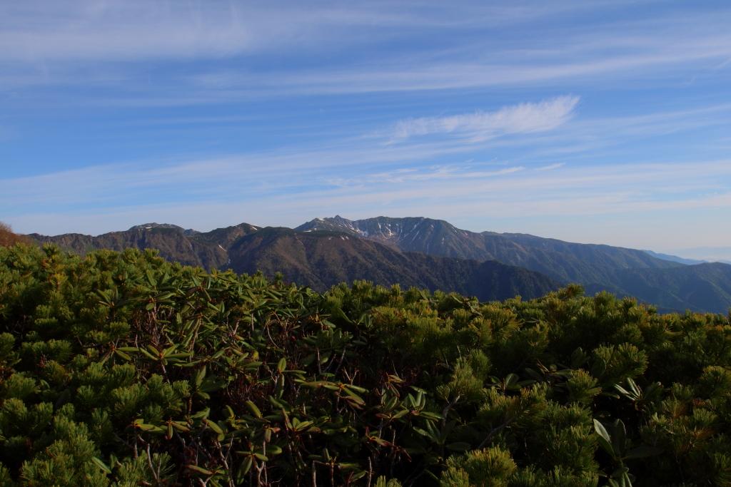 宝剣岳、千畳敷カール方面もだんだん視界がひらけてきた