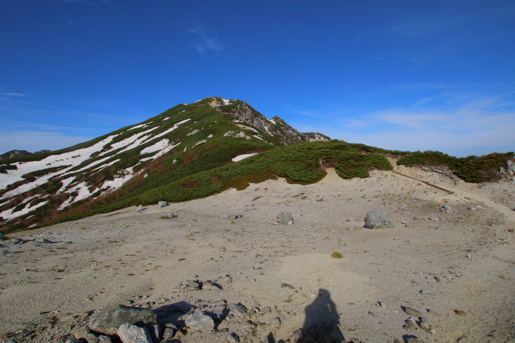 素晴らしい青空と空木岳のピーク