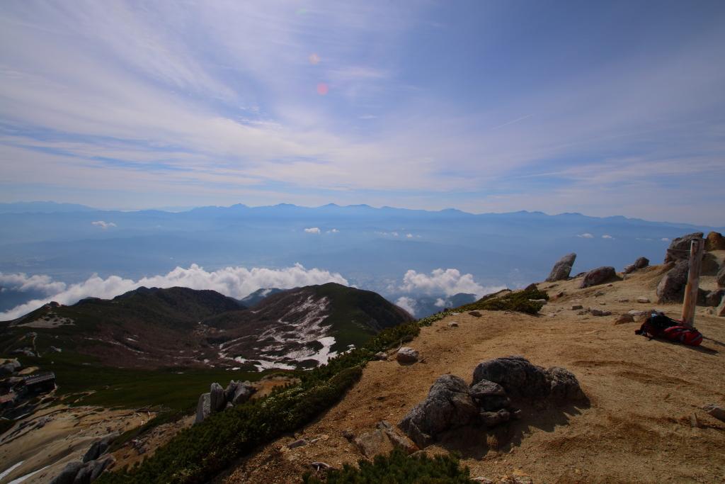 南アルプス方面。雲海とのコラボが美しい このあと、この下にある雲がこっちへ迫ってきた