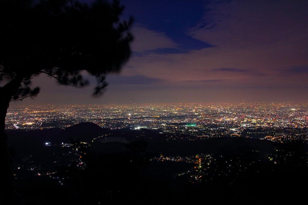 それでもこの光量。やはりここは甲山と向こうに広がる夜景が素晴らしい