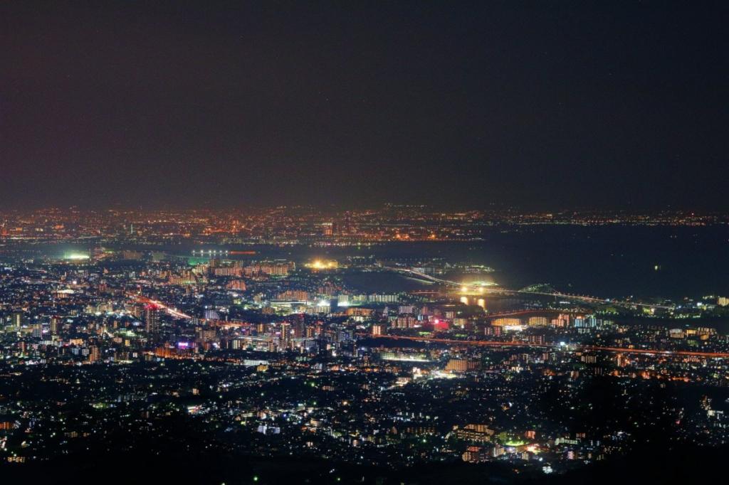 大阪湾をズームで撮影してみた