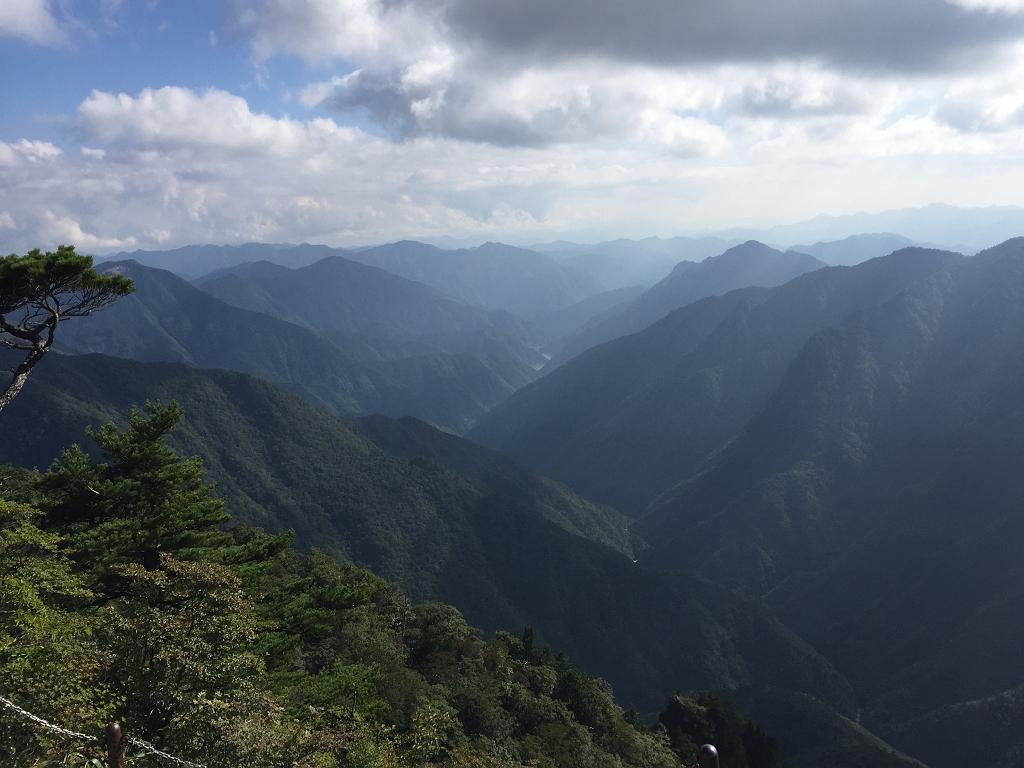 この谷の景色がなかなか好きなんです