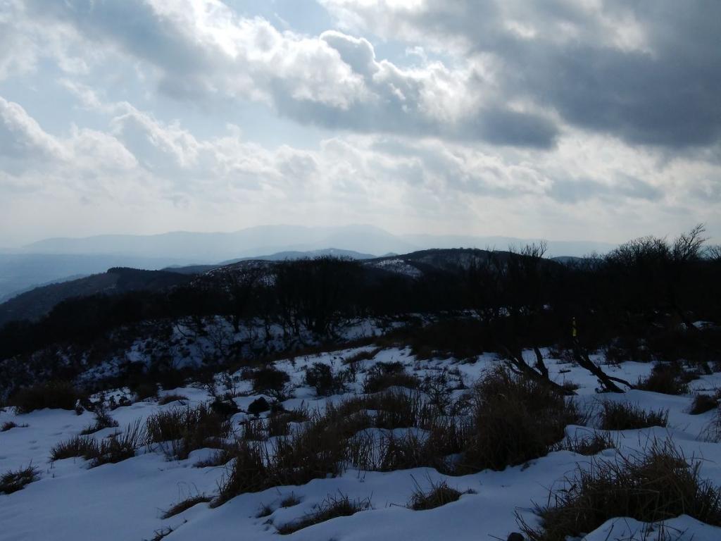 奥に武奈ヶ岳が見えた