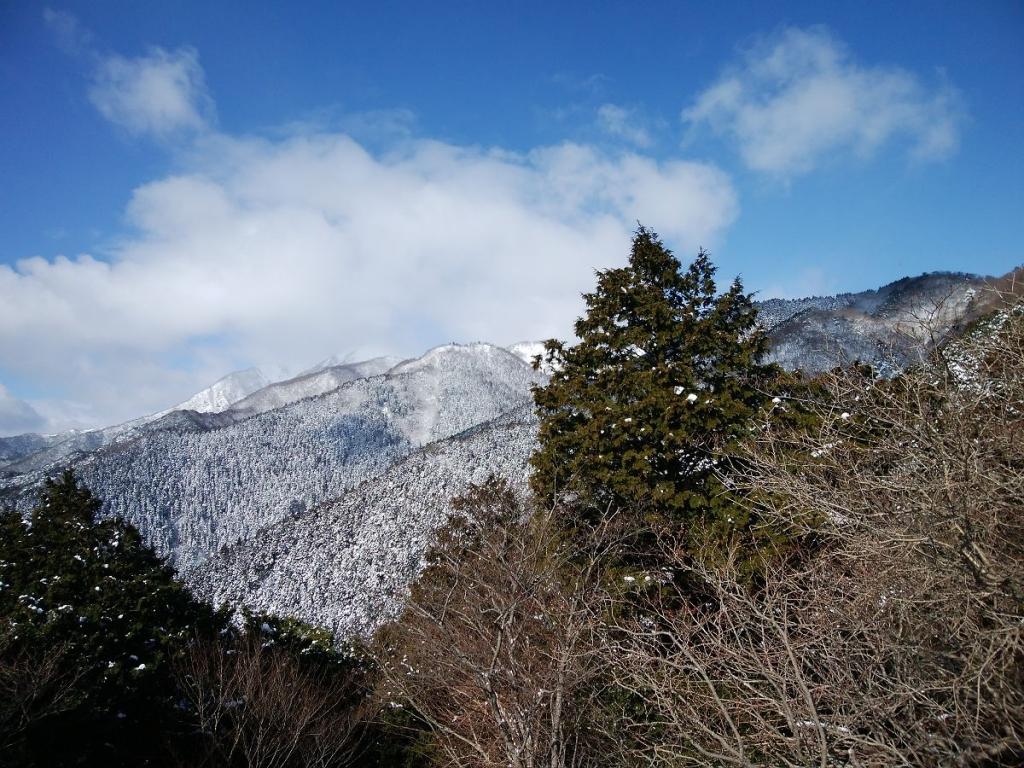 竜ヶ岳は雲の中だけど、この天気がもってくれればよかった