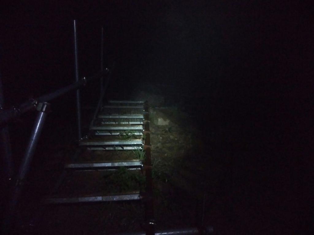 急登な階段とかあって
