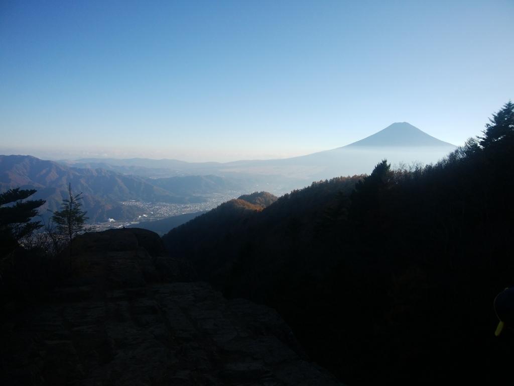 木無山付近にある岩場の上から撮影。 うん!素晴らしい眺望