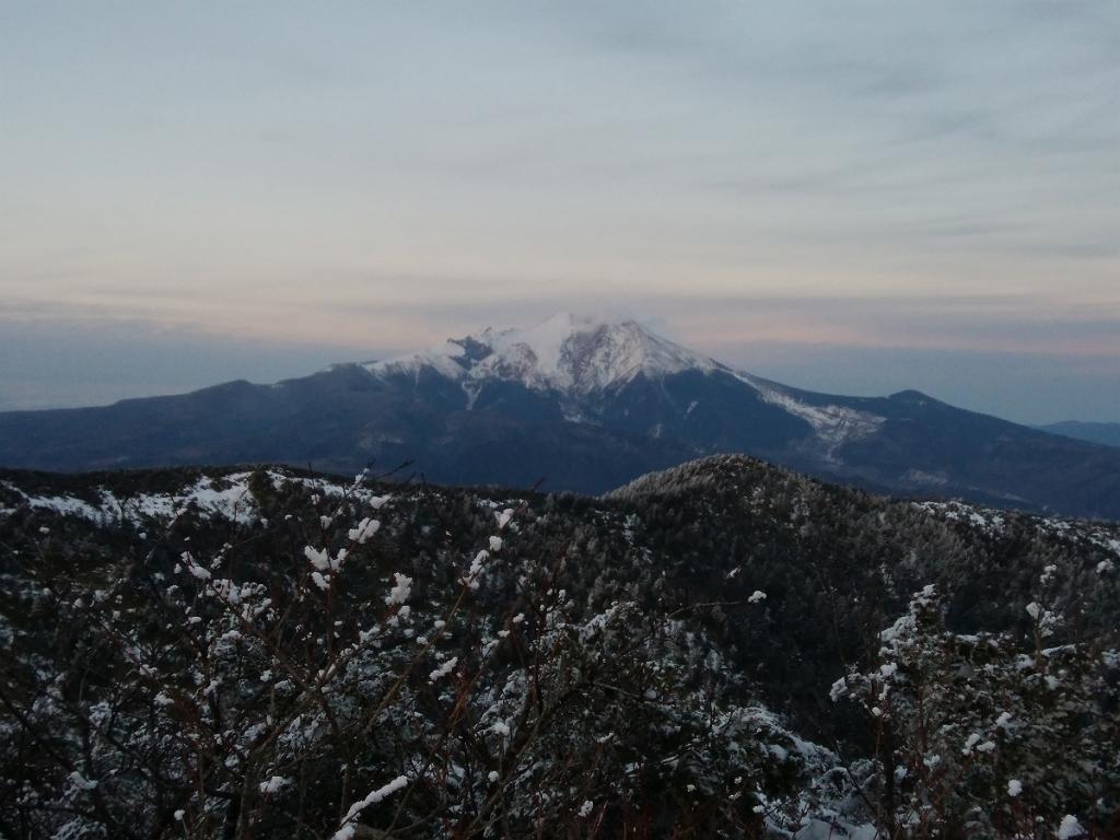迫力ある御嶽山。噴煙がまだあがっていた