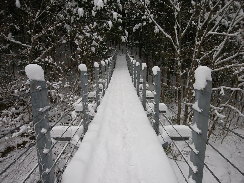橋を渡って、、、
