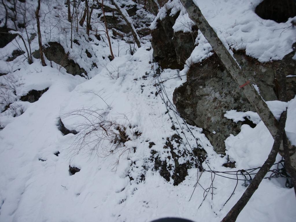 この岩場からが難所なんですよね