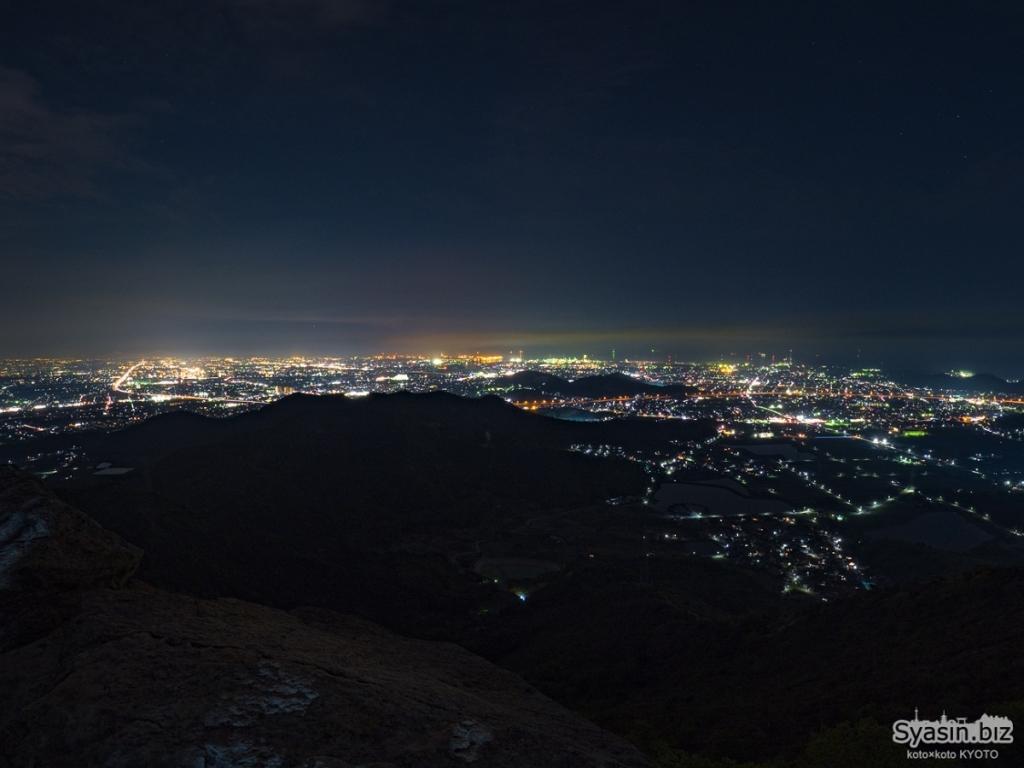 今回は夜景撮影しなかったので写真を拝借させていただいた。加古川方面の夜景