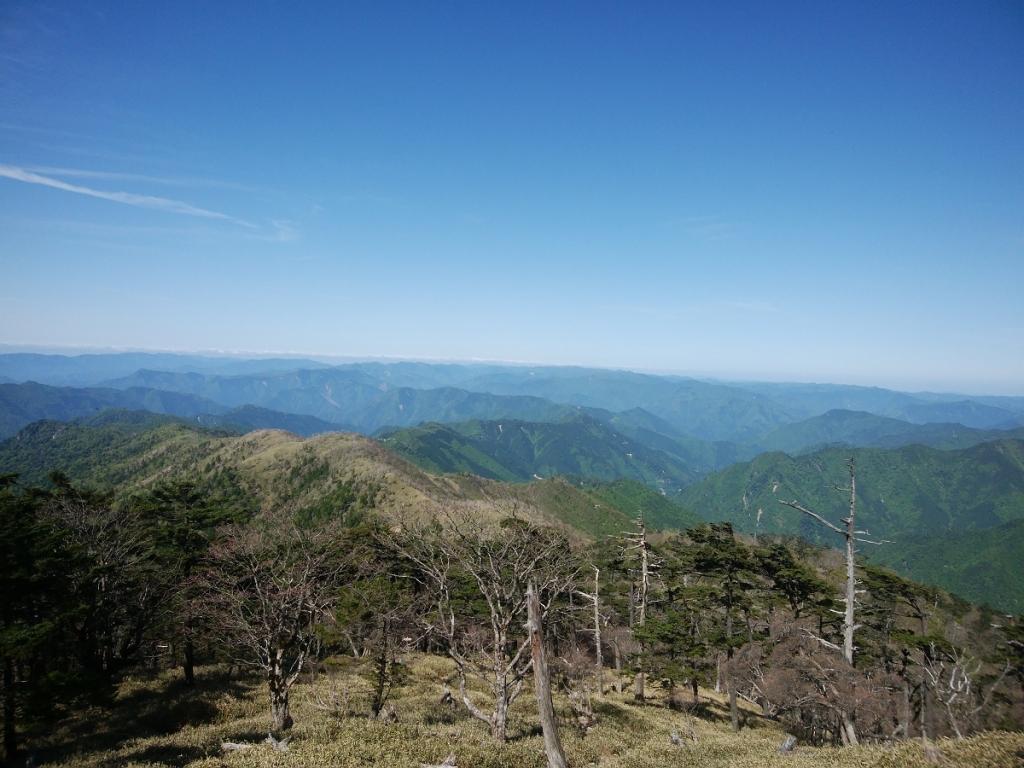 釈迦ヶ岳への登り途中で見える眺望