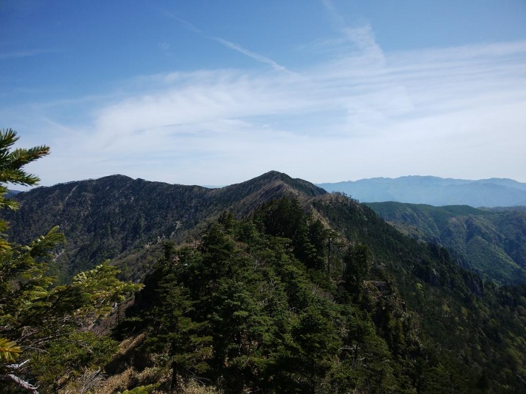 これから行く孔雀岳と仏生ヶ岳