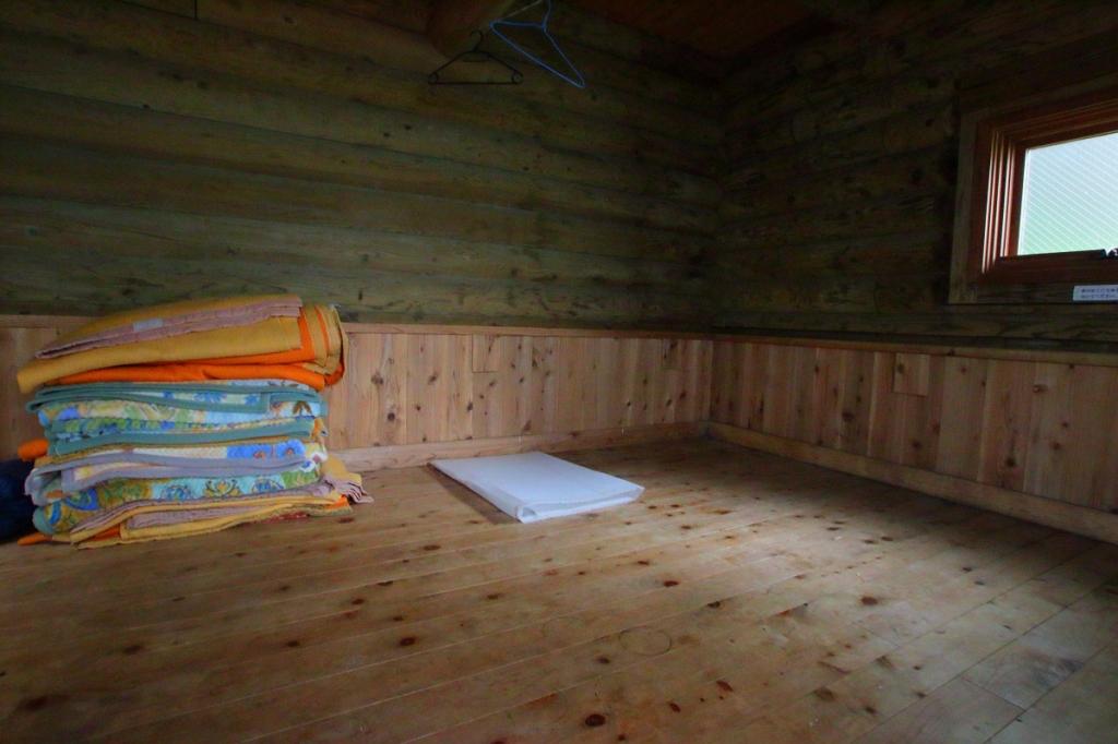 小屋にもどり昼食をとる。相変わらず綺麗な小屋だった。今度はここで宿泊するのもいいかも