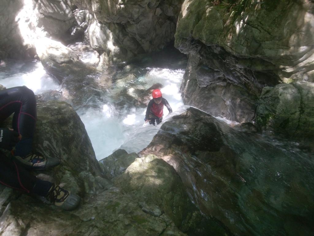 ここが登りポイント。流れがキツクて実はこまっちゃんの前に飛ばされた