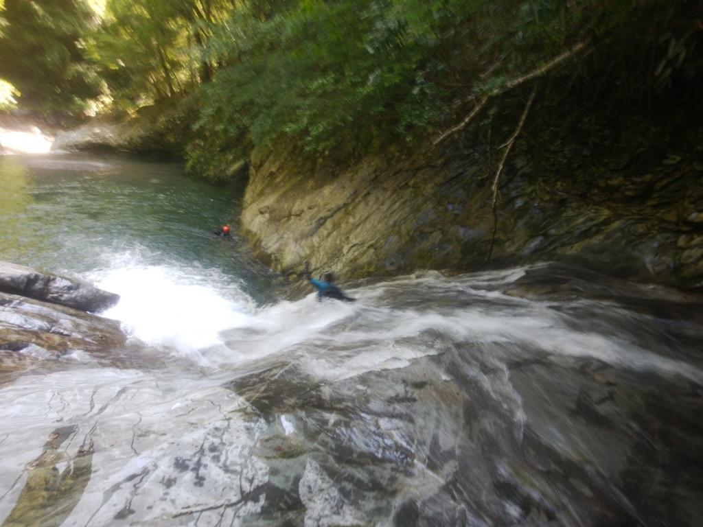 ラストは赤鍋滝でスライダー。
